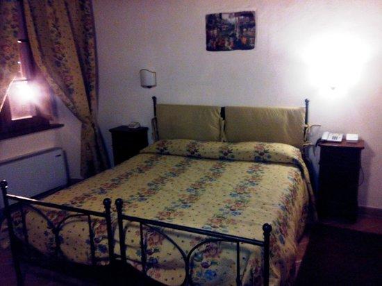 Borgo di Celle: letto camera 103
