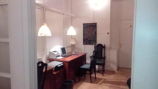 Sverchkov 8 : Рабочее место с принтером