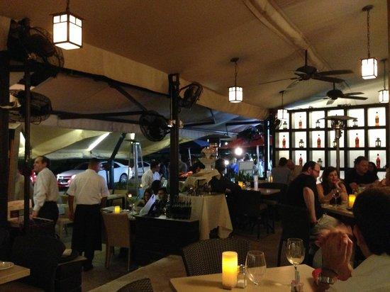 Caffé Milano : La terrasse en soirée