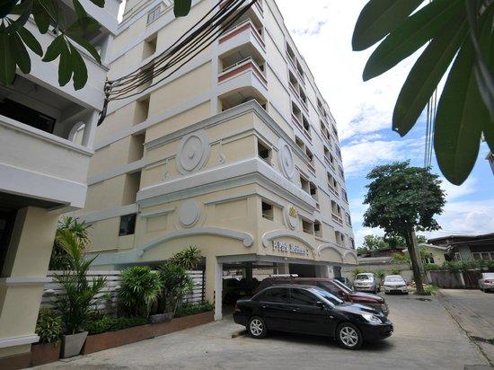 Photo of Phet Park Resident Hotel Bangkok