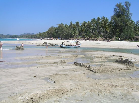 Pleasant View Resort : fishing boats