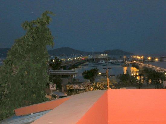 Jasmine House: By night