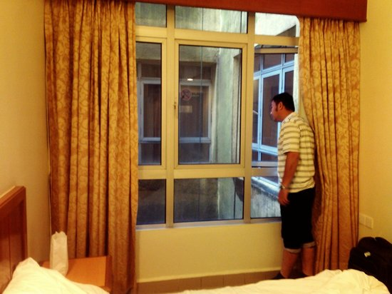 First World Hotel: Bedroom