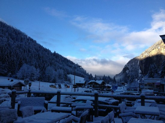 Hotel Neige et Roc : Towards Morzine