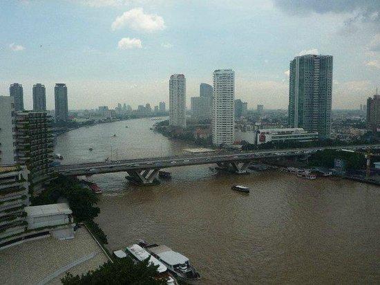 Shangri-La Hotel,Bangkok: vista sul fiume dalla nostra stanza