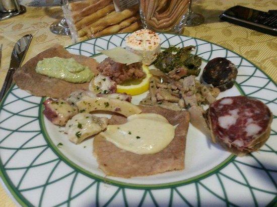 Antipasto a buffet foto di la cucina piemontese vigone - Cucina piemontese torino ...