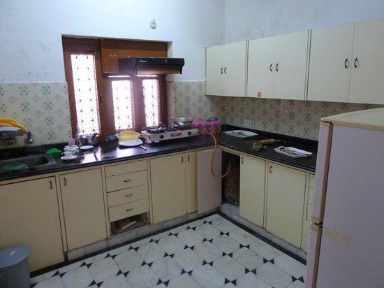 Sonar Haveli : self equipped kitchen