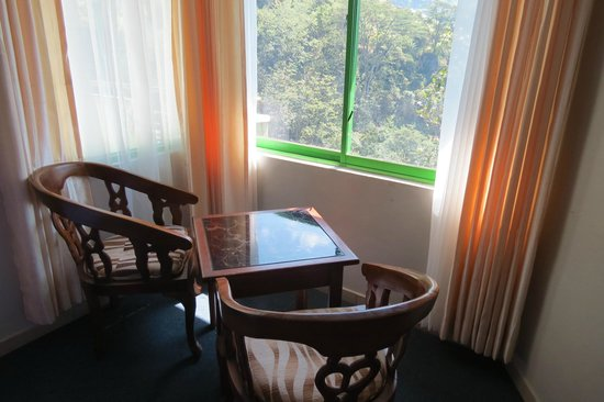 Ramboda Falls Hotel: our sitting area