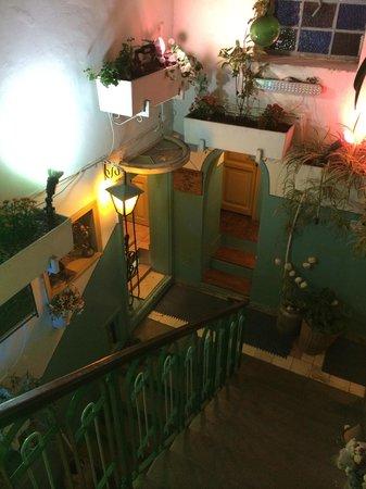 Old Jaffa Hostel: Aufgang zur Dachterasse
