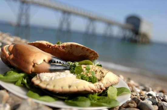 Bunn Leisure Holiday Park: Enjoy delicious local seafood including the famous Selsey crab