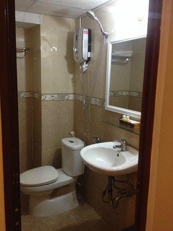 Khoi 2 Hotel: Ванная комната