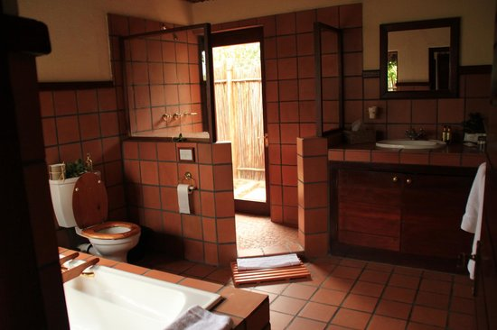 Nungubane Game Lodge : Bathroom