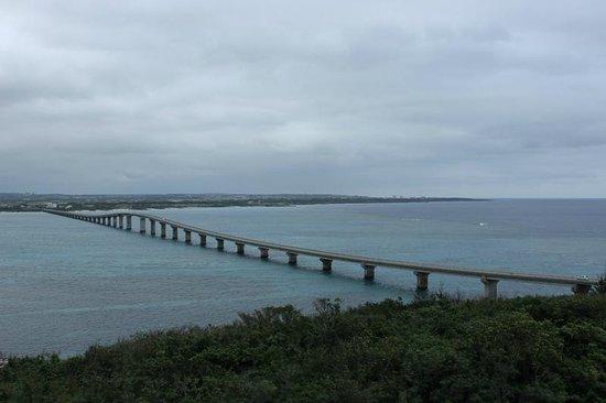 Kurima Bridge: 来間大橋を渡ってすぐの農村公園から