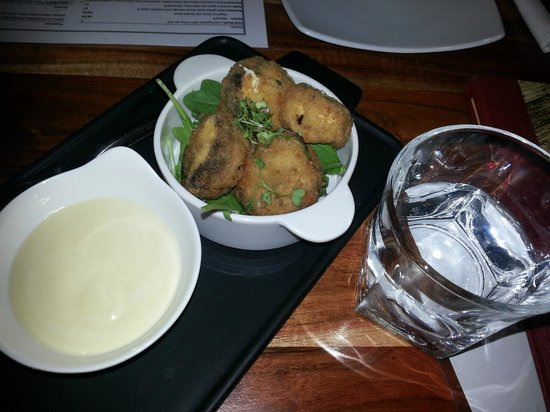 Hippo Creek African Grill: Mud huts with aioli