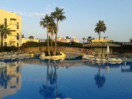 Panareti Paphos Resort: Panareti Hotel Apartments Pool