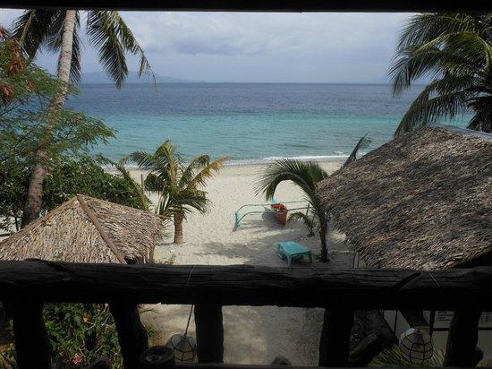 Luca's Cucina Italiana & Lodge: La plage depuis l'hotel