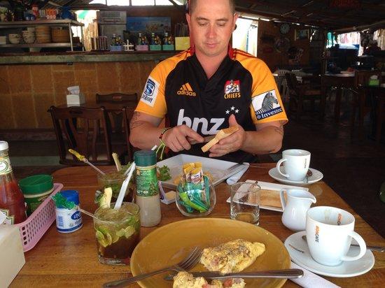 The Kitchen Restaurant Kata Beach & Thai Cooking Class: Mojito's with brekkie yumm