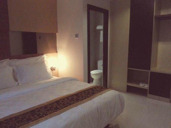 Nagoya Mansion Hotel & Residence: Master room Attached Bathroom