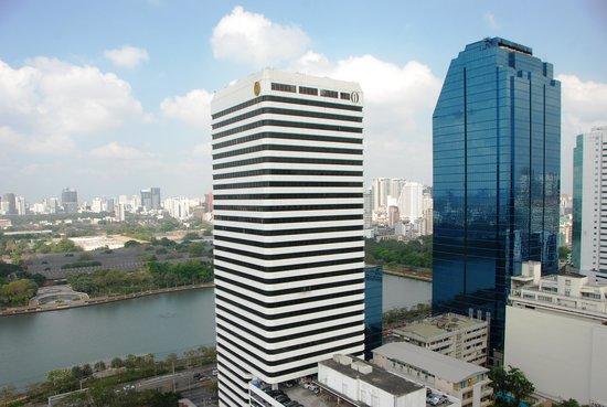 Somerset Lake Point Bangkok: bangkok skyline