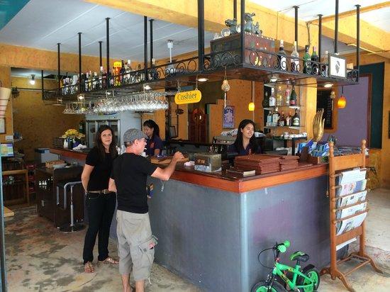 cafe del sol: The bar