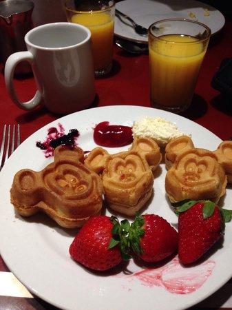 Chef Mickey's: Mickey waffles - Breakfast