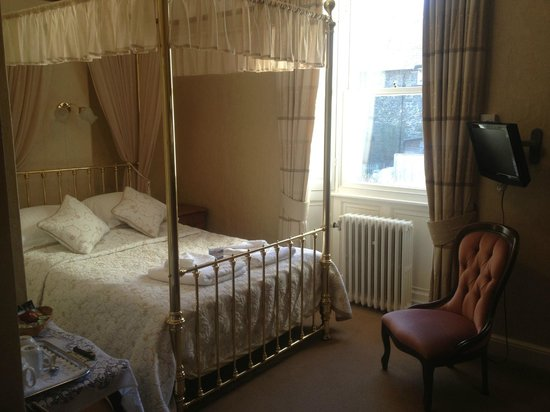 Acorn House Hotel : Four Poster room