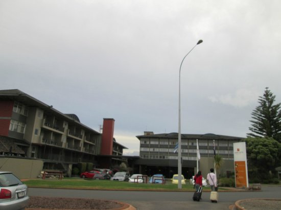 Sudima Hotel Lake Rotorua: ホテル正面