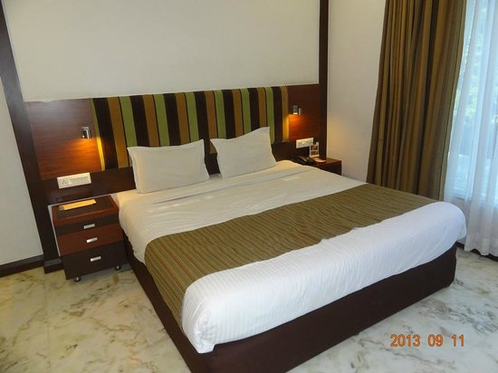 Amantra Comfort Hotel: Comfortable bed