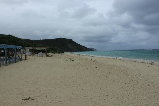 Aragusuku Beach: 西側の方の景色