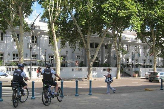 Park Hyatt Mendoza: Park Hyatt frontage