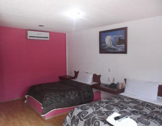 Hotel Dana Express Bacalar: Notre chambre 128 au 22 février 2014.