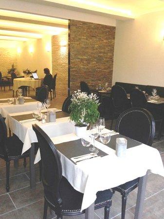 Hotel Restaurant Le Napoleon: salle des petits déjeuners