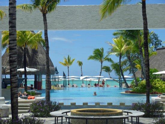 Ambre Mauritius : piscine et lagon