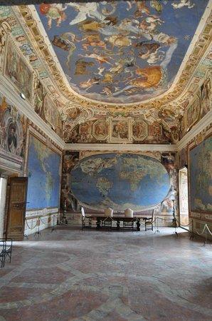 Palazzo Farnese: La sala dei Mappamondi