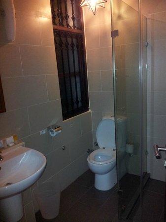 Maru Maru Hotel: Room