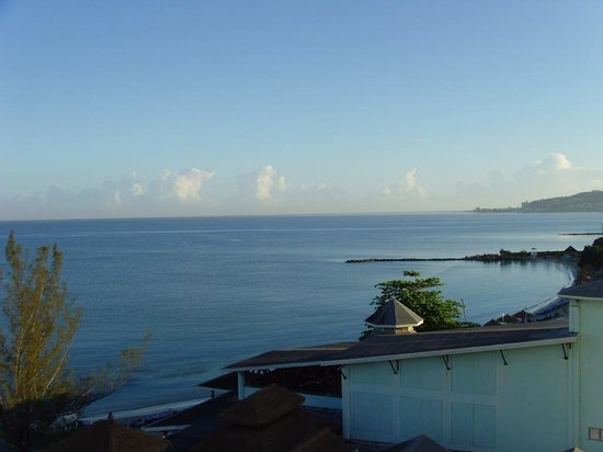 Sunscape Splash Montego Bay: calm seas, no waves, easy swimming and snorkeling for beginners