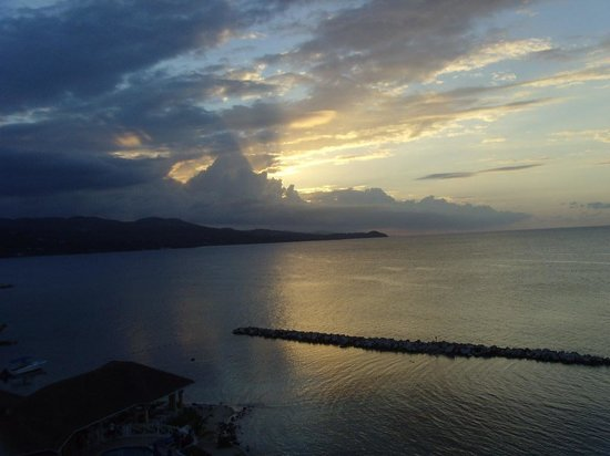 Sunscape Splash Montego Bay: sunset view from A508