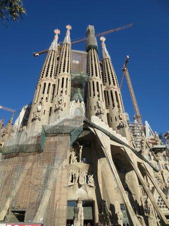 Free and Fun Barcelona Tours: Gaudi Tour