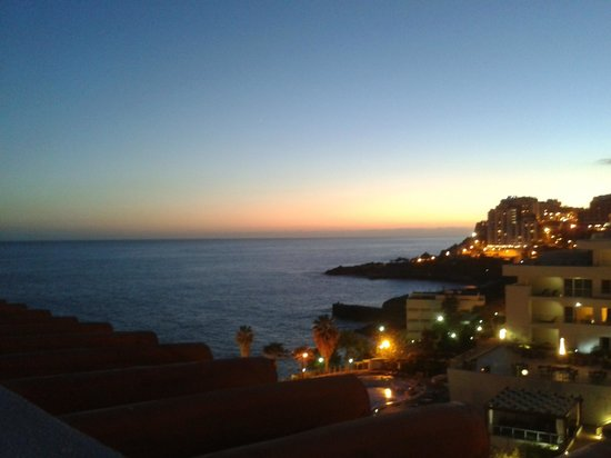 Porto Mare Hotel: view of sunset from our balcony