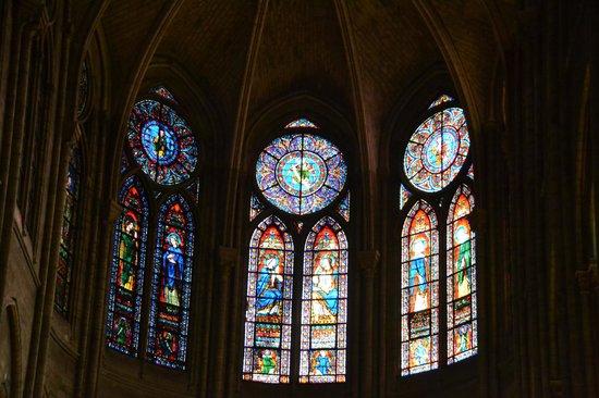 Tours de la Cathedrale Notre-Dame : Stained Glass windows