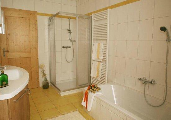 Familienbauernhof Mesner: Badezimmer