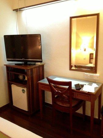 Perak Hotel: 液晶テレビは一応あります