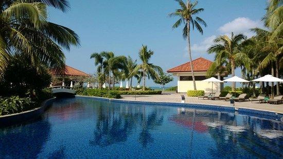 Banyan Tree Sanya: Main pool