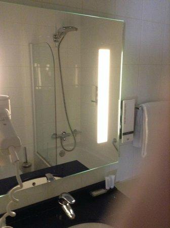 Hotel Savoy Amsterdam: Salle de bains