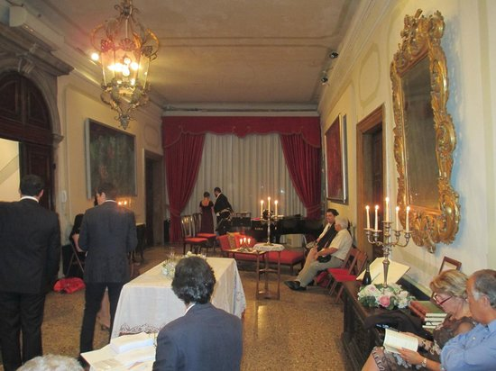 Musica A Palazzo: Act I Portego (central hall)