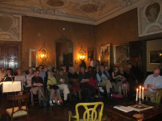Musica A Palazzo: Act II Tieopolo room, country house outside Paris