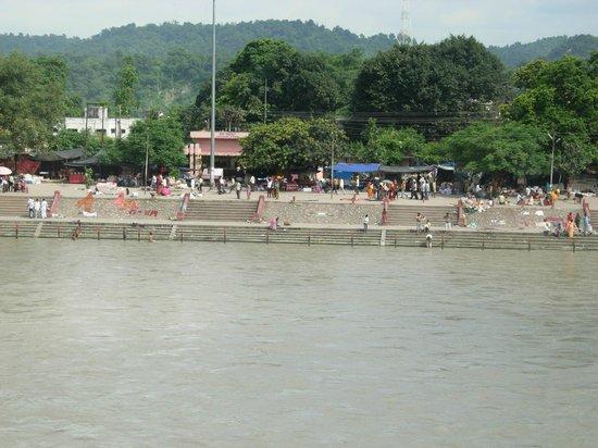 Ganga Lahari: .ghat view