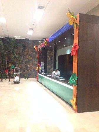 Estelar En Alto Prado Hotel: Hotel lobby