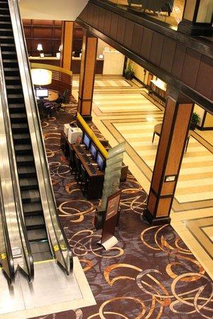 Sheraton Inner Harbor Hotel: Lobby area