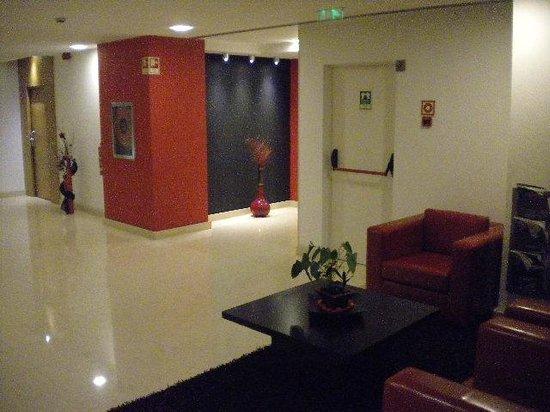 Stay Hotel Guimaraes Centro: Corredores